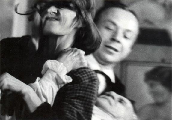"""Reż. Grzegorz Królikiewicz """"Na wylot"""", 1972 - kadr, materiał udostępniony przez organizatora"""