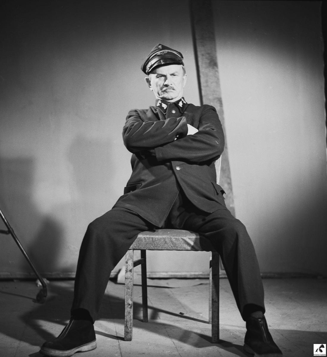 """Reż. Andrzej Munk """"Błękitny krzyż"""", 1955 - kadr z filmu, materiał udostępniony przez organizatora"""