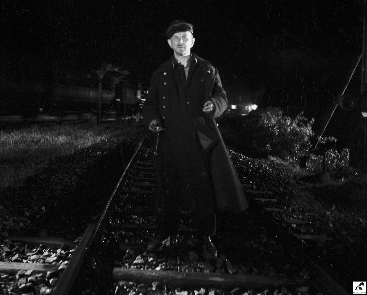 """Reż. Andrzej Munk """"Człowiek na torze"""", 1956 - kadr z filmu, materiał udostępniony przez organizatora"""