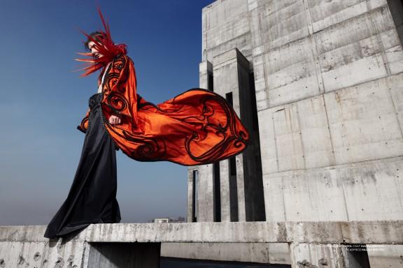Halina Mrożek, Bez tytułu, 2010, z cyklu Sculpt Couture, fotograf: Maciej Boryna, model: Cyryl, makeup: Adam Mesyash, włosy: Marcin Het, stylizacja: Joanna Hir