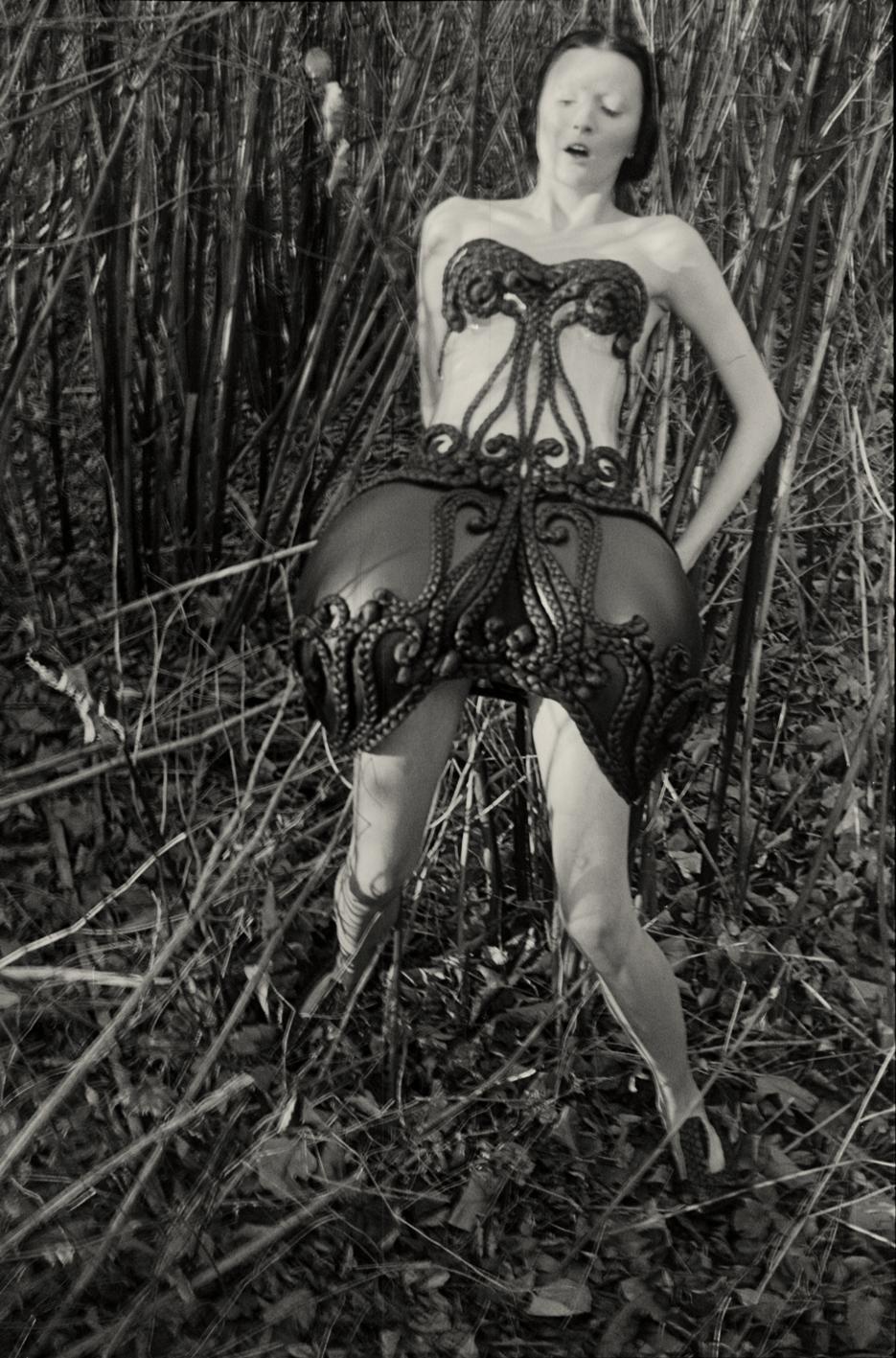 Halina Mrożek, Bez tytułu, 2010, z serii Fuse, fotograf : Keymo, wizaż: Katarzyna Skupny, modelka: Ida