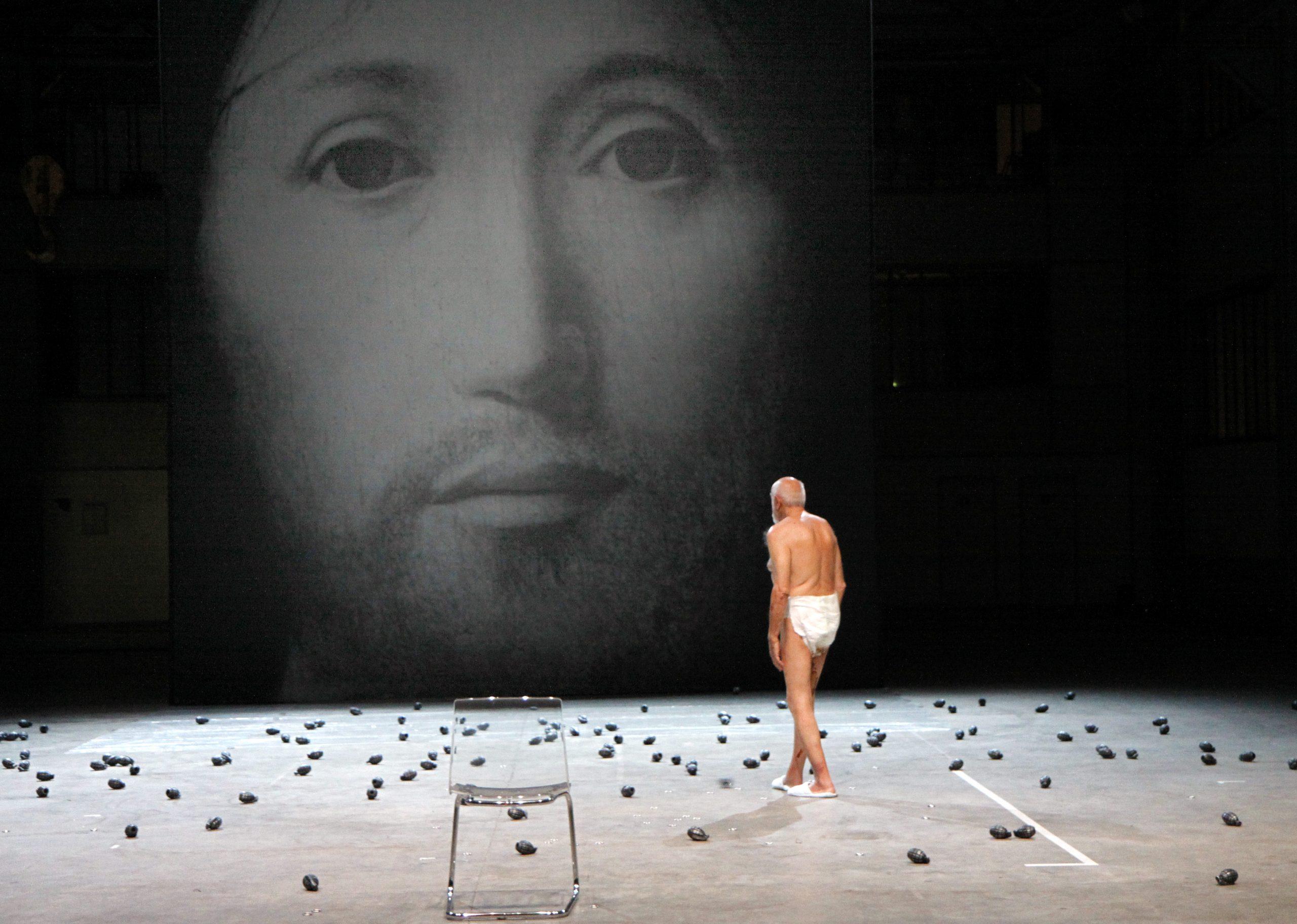 O twarzy. Wizerunek Syna Boga, reż. Romeo Castellucci (fot. Klaus Lefebvre)