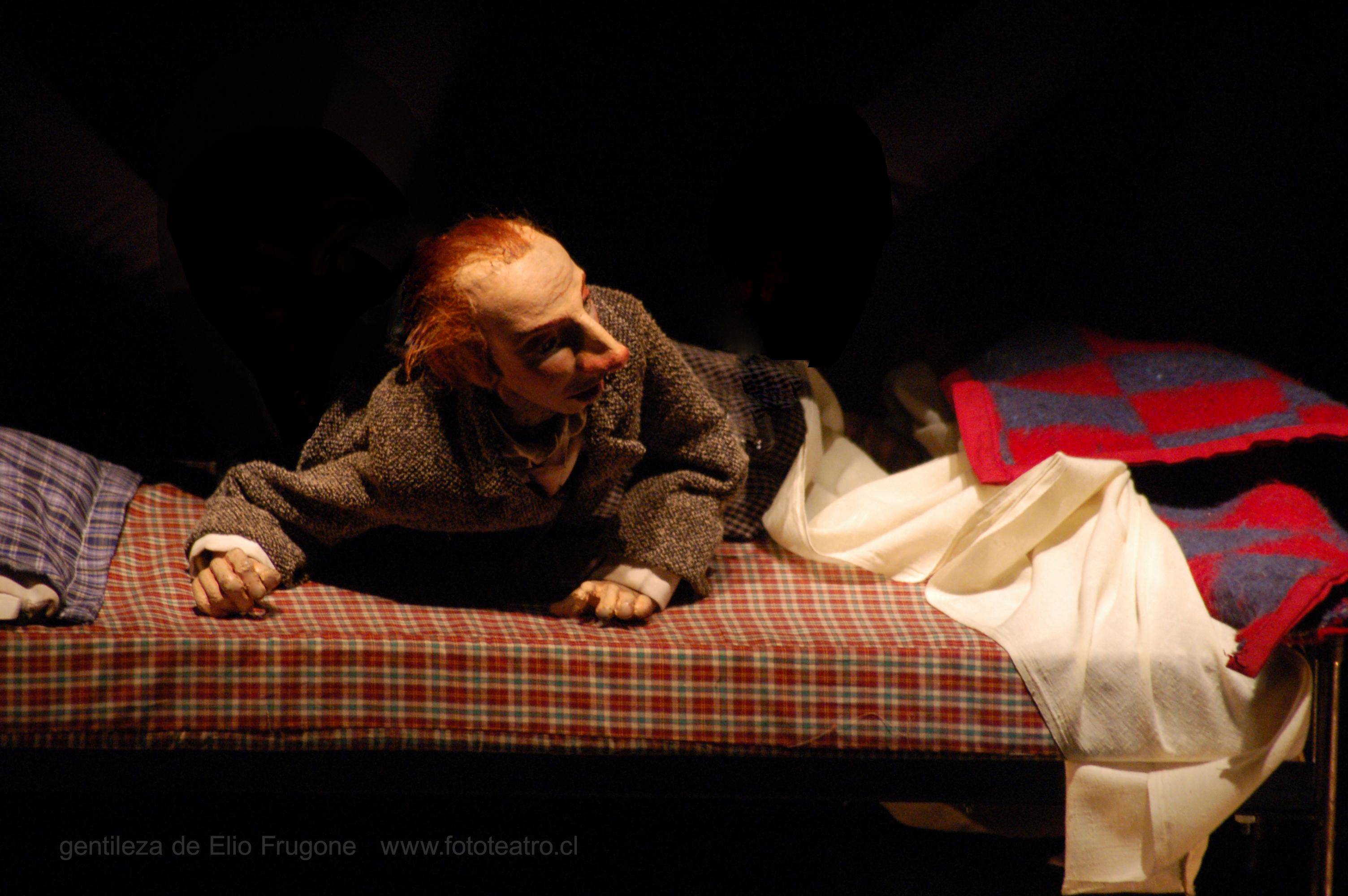 Płaszcz, reż. Paola Giannini (fot. Elio Frugone)