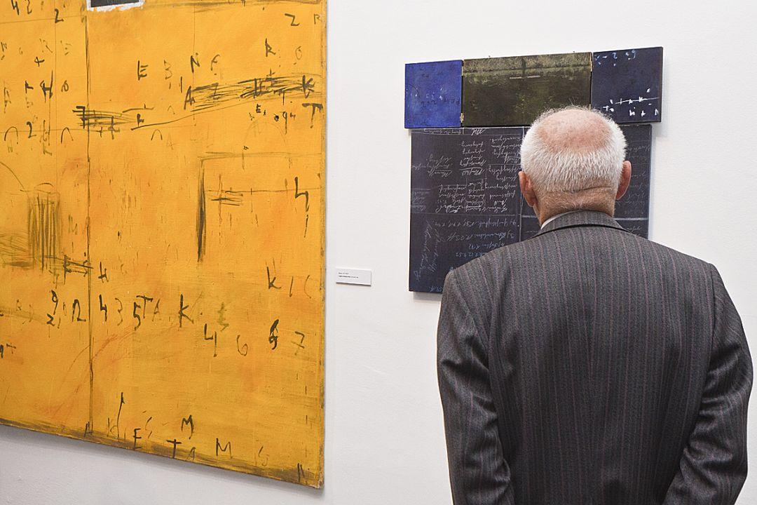 "Otwarcie 40. Biennale Malarstwa ""Bielska Jesień 2011"", Galeria Bielska BWA, Bielsko-Biała, 4.11.2011, fragment ekspozycji, fot. Krzysztof Morcinek"