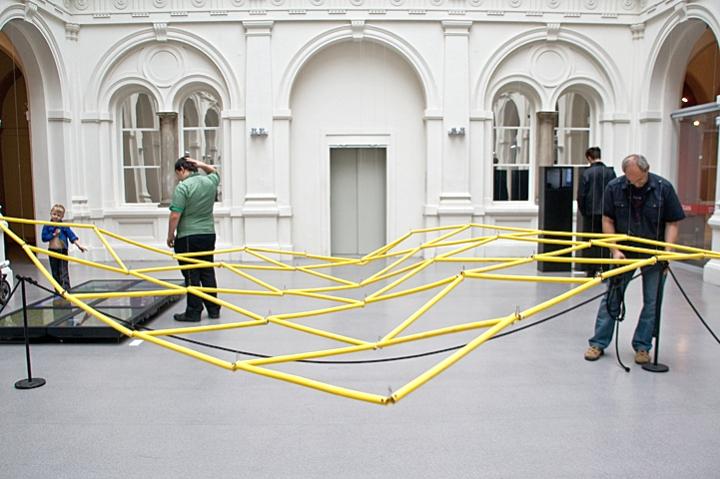 Biennale WRO 2011, David Bowen, tele-present-water, photo by Alicja Kołodziejczyk