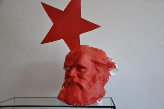 """Krzysztof M. Bednarski, """"Narodziny czerwonej gwiazdy"""" (źródło: materiał prasowy CSW Znaki Czasu)"""