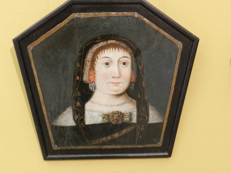 Kategoria wzrok: Portret trumienny Katarzyny Błociszewskiej autor nieznany ok. 1677 Portret prezentuje kobiecą postać. Dominuje czarne tło. Na nim wybijają się kolory: biel, brąz, róż.