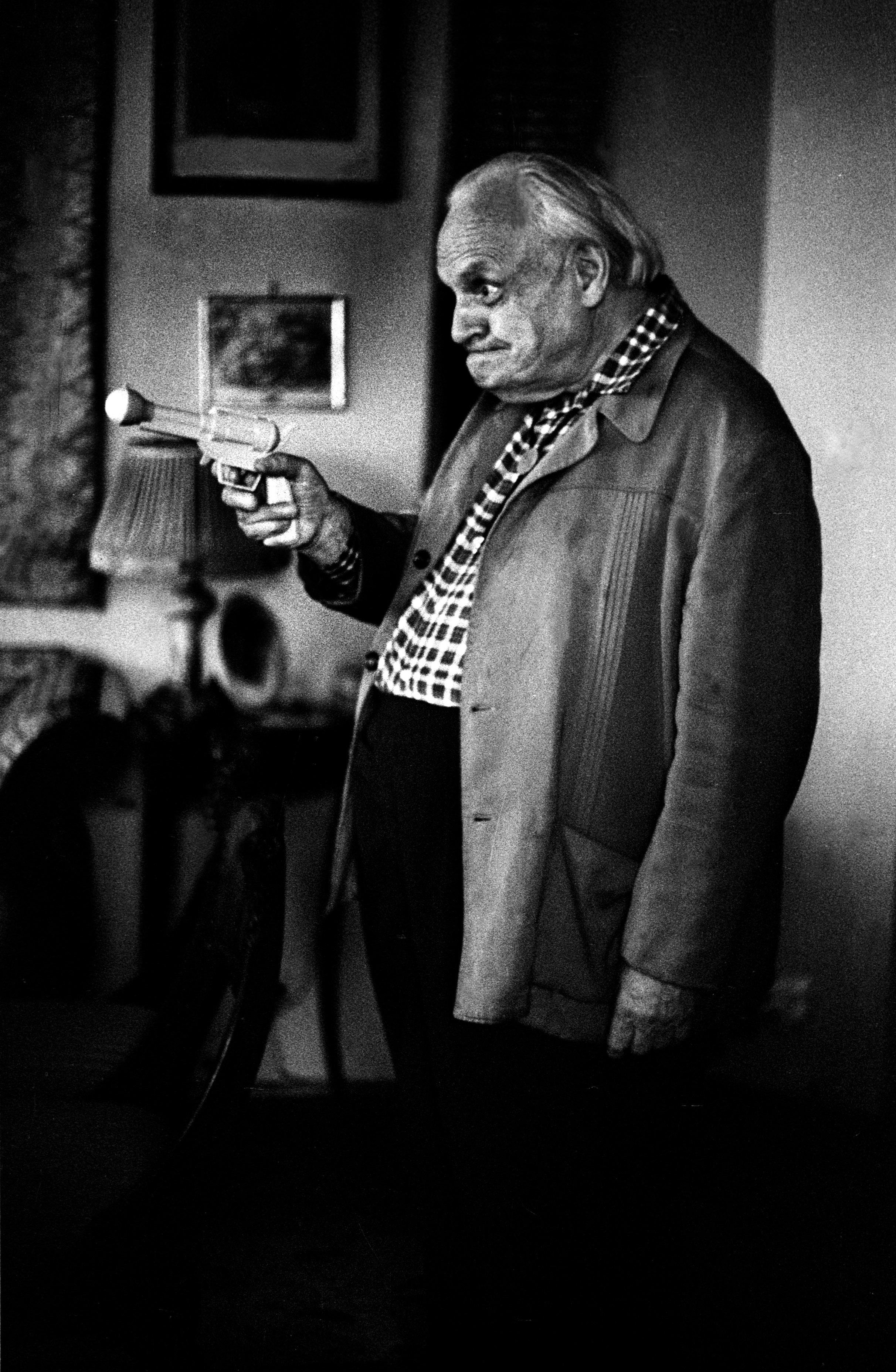 Warszawa, 06.1972. Melchior Wańkowicz, zdjęcie do wywiadu Krzysztofa Kąkolewskiego z Melchiorem Wańkowiczem. Fot. Aleksander Jałosiński/FORUM