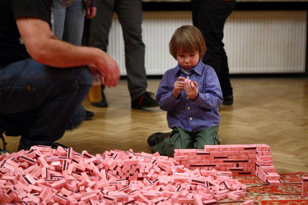 """Wystawa """"Happy Birthday Panie Fluxus!"""", fot. Maciej Kaczyński © Centrum Kultury Zamek (źródło: materiały prasowe)"""