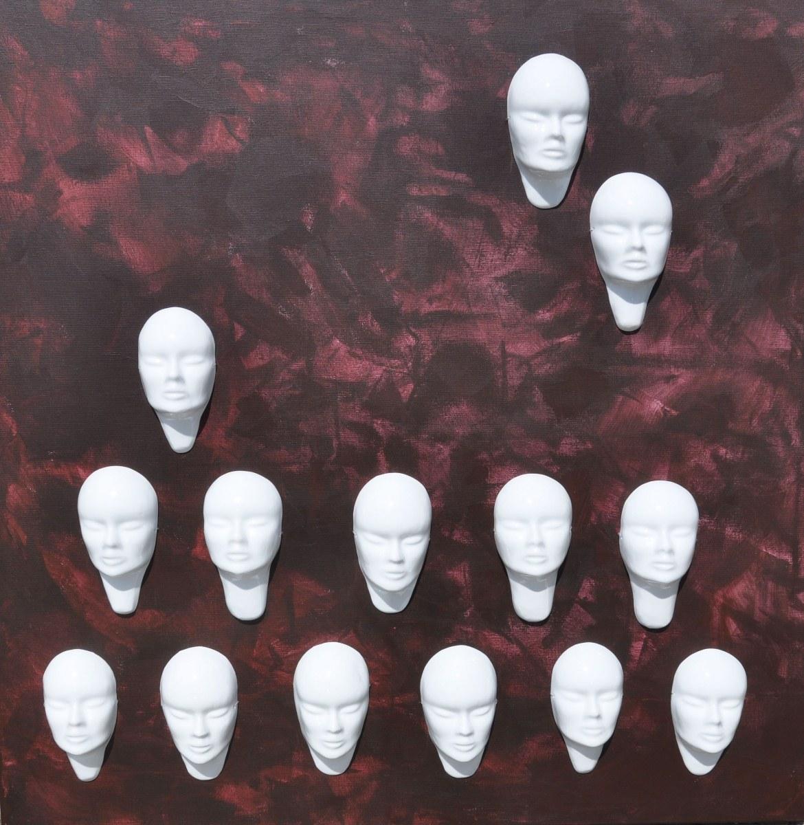 """Marek Kotarba, """"Zwielokrotnienie III"""", 2011, akryl, płótno, porcelana, 120 x 120 cm (źródło: materiały prasowe)"""