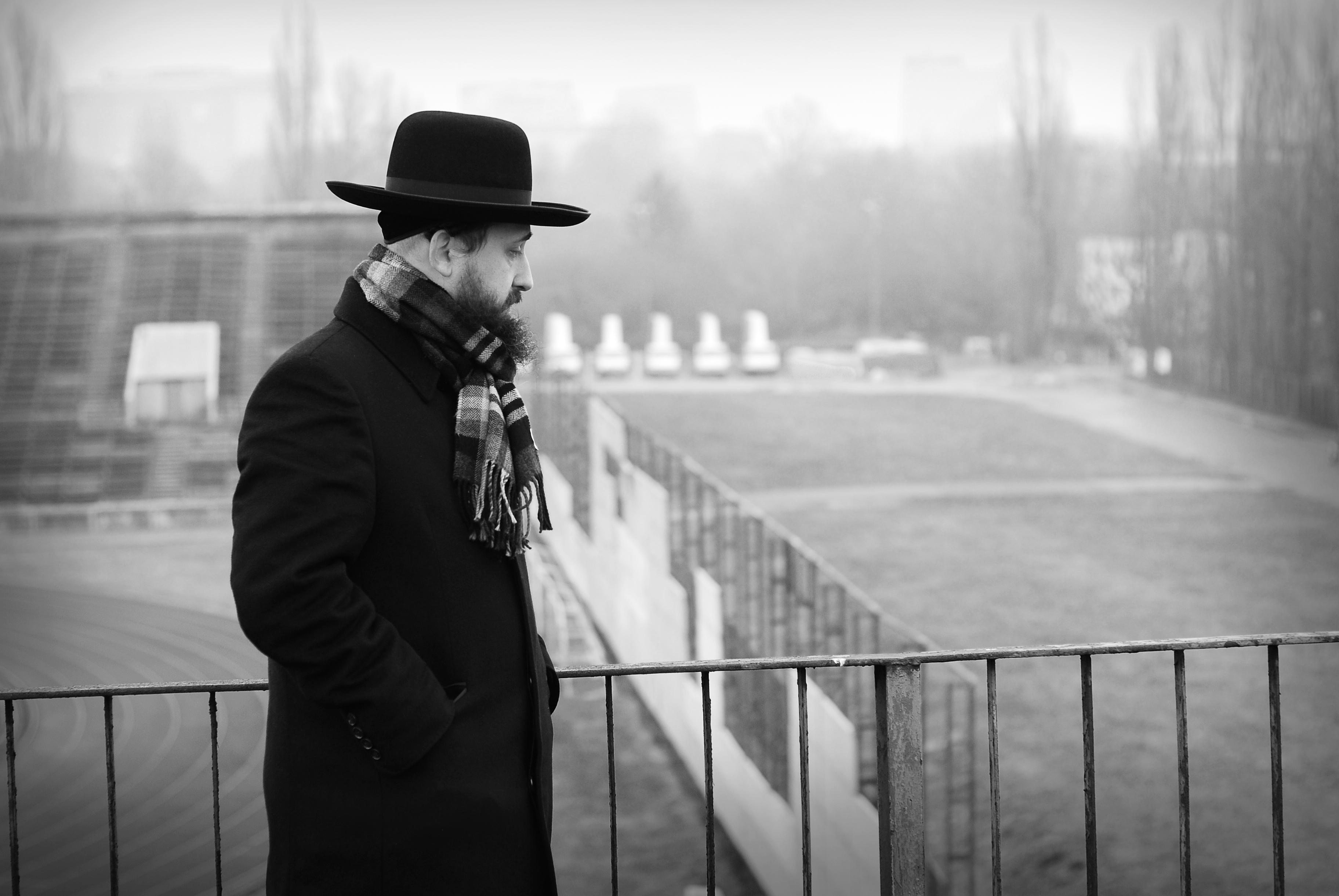 """Kadr z filmu """"Księżyc to Żyd"""" (źródło: materiały prasowe)"""