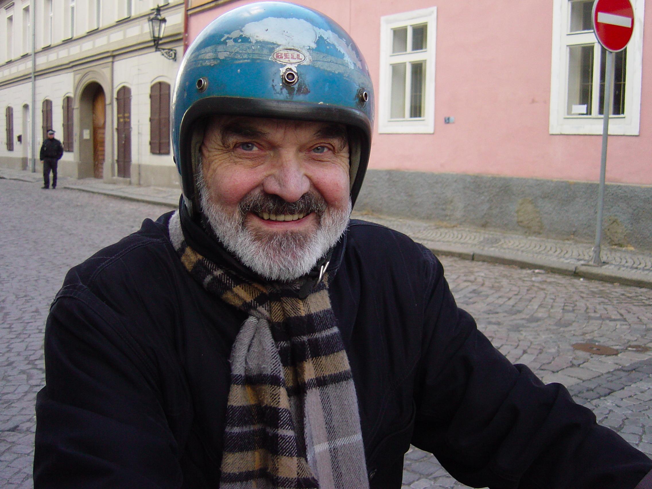"""Kadr z filmu """"Tatinek"""", reż Jan Sverak (źródło: materiały prasowe)"""