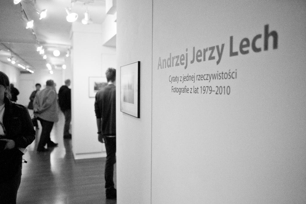 Fotofestiwal 2011: Andrzej J. Lech, Cytaty z jednej rzeczywistości. Fotografie z lat 1979–2010 / Quotes from One Reality. Photographs from 1979–2010, fot. Joanna Swiderska (źródło: materiały prasowe)