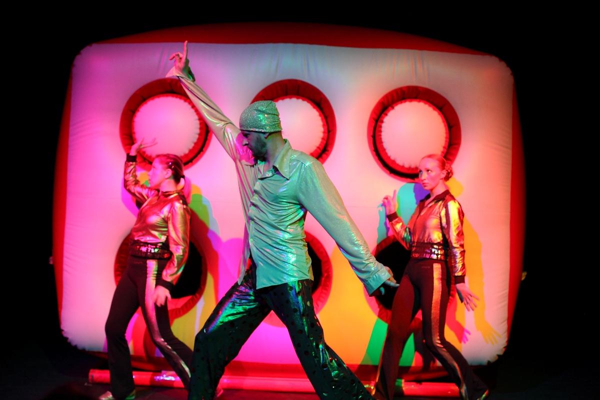 Teatr Arabesky, Czerwony Elvis (źródło: materiały prasowe)