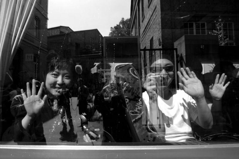 """Ai Weiwei, kadr z filmu """"Fairytale"""", 2007 (źródło: materiały prasowe)"""