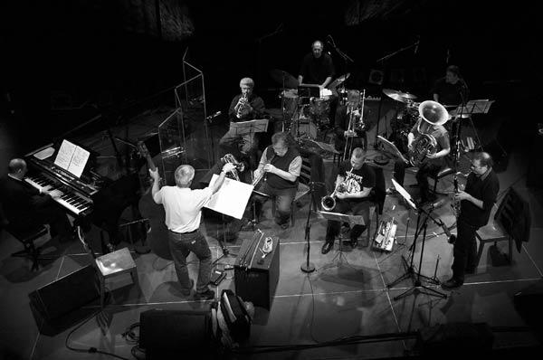 Barry Guy New Orchestra (źródło: materiały prasowe organizatora)