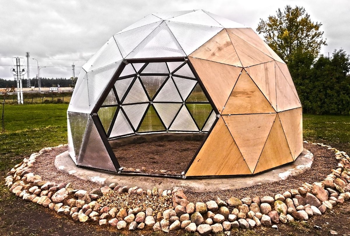 SolarHAB, 2012, projekt: Łukasz Nowacki /Fundacja TRANSFORMACJA; Obiekt z zewnątrz, fot. Maciej Witasik, Fundacja TRANSFORMACJA (źródło: materiały prasowe organizatora)
