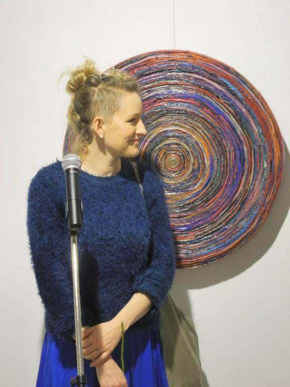 """Michalina Kostecka, """"Dress Code"""", Galeria Sztuki w Legnicy, wernisaż, 1 marca 2013 r. (źródło: materiały prasowe organizatora)"""