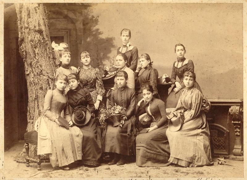"""Pensjonarki, 1889 r., """"Nie garb się!"""", Muzeum Historyczne Miasta Krakowa (źródło: materiał prasowy)"""