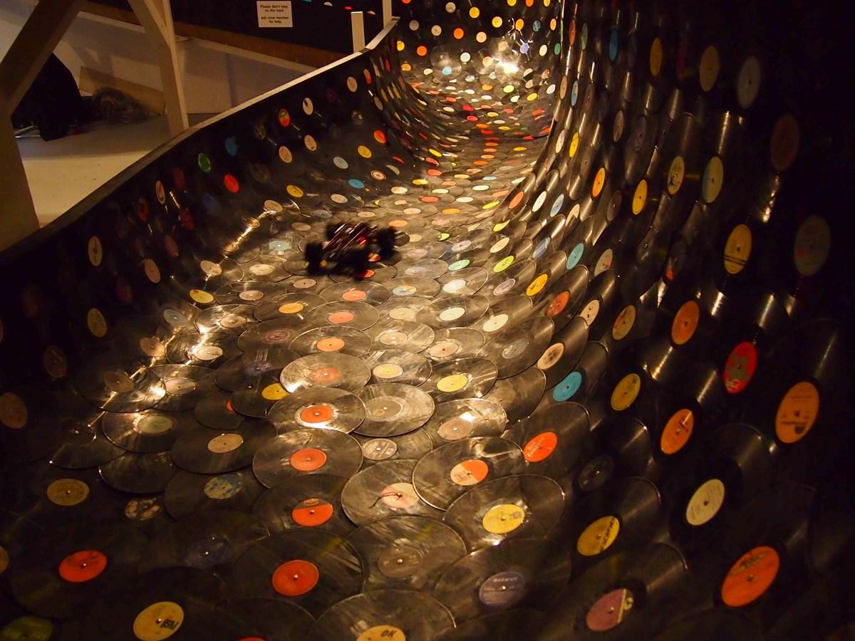 "Lucas Abela, ""Vinyl Rally"" (źródło: materiały prasowe organizatora)"