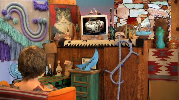 """Shana Moulton, """"Szepcące sosny 9: Nieodkryty antyk"""", 2009, wideo cyfrowe, kolor, dźwięk. Dzięki uprzejmości artystki."""
