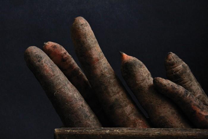 """Michał Aniempadystau, zdjęcie z cyklu """"Under Ground"""" (źródło: materiały prasowe Galerii Sztuki Wozownia)"""