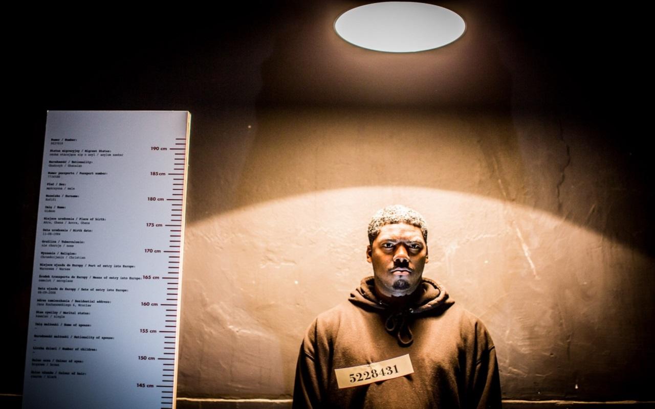 """""""Exhibit b"""", fot. Marcin Oliva Soto (źródło: mat. prasowe - Międzynarodowy Festiwal Teatralny Dialog)"""