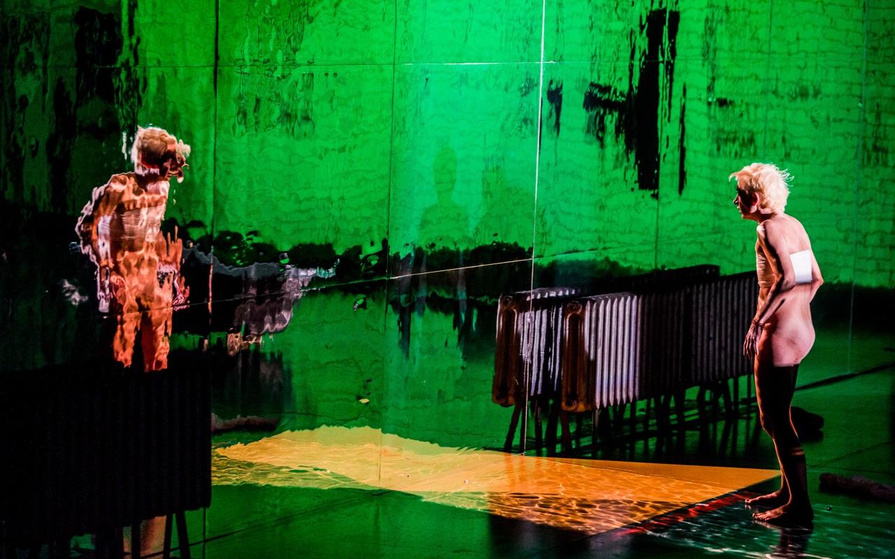 """""""Oczyszczeni"""", Krzysztof Warlikowski, fot. Marcin Oliva Soto (źródło: mat. prasowe - Międzynarodowy Festiwal Teatralny Dialog)"""