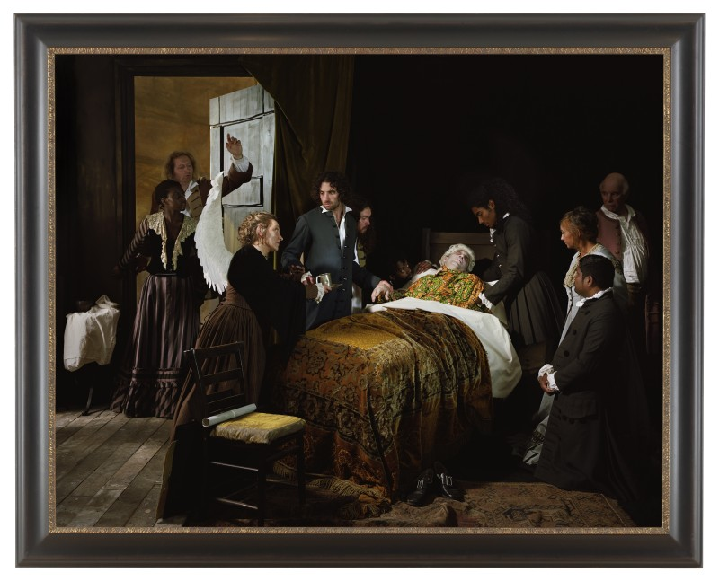 "Yinka Shonibare ""Fake Death Picture"" (""The Death of Leonardo da Vinci in the Arms of Francis I - Francois-Guillaume Ménageot""), 2011. Digital chromogenic print. Framed: 58 3/4 x 72 5/8 inches (źródło: materiały prasowe organizatora)"