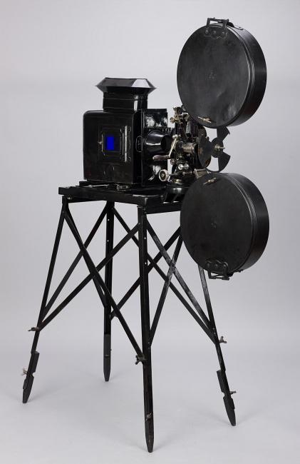 Projektor kinematograficzny ICA, fot. Wojciech Staszkiewicz, obiekt ze zbiorów MHF (źródło: materiały prasowe organizatora)