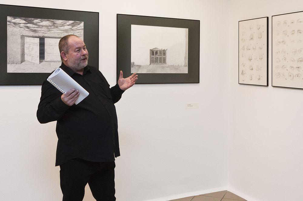 Kurator wystawy Paweł Warchoł, fot. Krzysztof Morcinek (źródło: materiały prasowe organizatora)