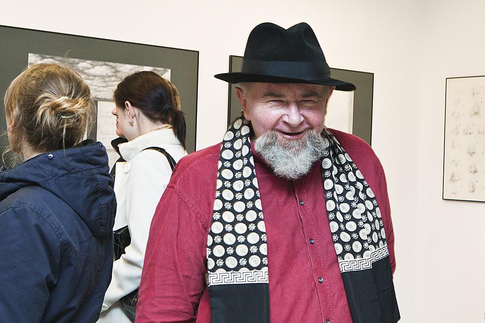 Józef Hołard, artysta uczestniczący w wystawie, fot. K. Morcinek (źródło: materiały prasowe organizatora)