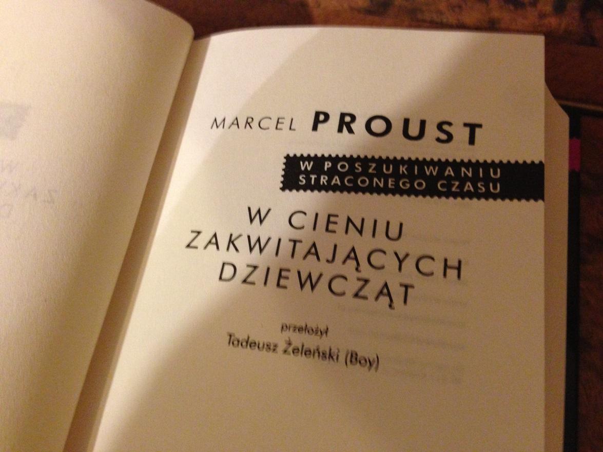 """Marcel Proust """"W cieniu zakwitających dziewcząt"""" (źródło: materiały prasowe)"""