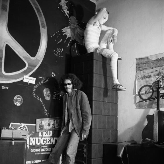 Zdjęcie z tzw. fotoperformansu (Piotr Grzybowski, Maciej Toporowicz), fot. Maciej Toporowicz, 1982 (źródło: materiały prasowe organizatora)
