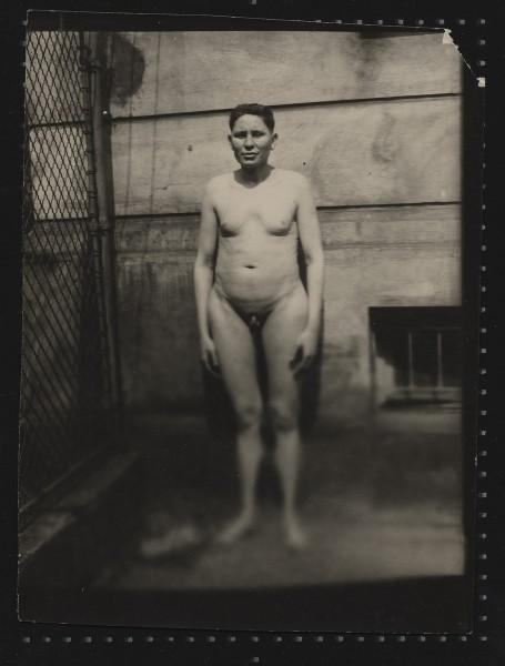 """Fotograf nieznany, """"Hermafrodyta"""", pierwsze ćwierćwiecze XX w. Zbiory prywatne (źródło: materiały prasowe organizatora)"""