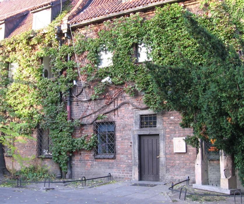 Muzeum Architektury we Wrocławiu, wejście, fot. Julo (źródło: Wikimedia Commons)