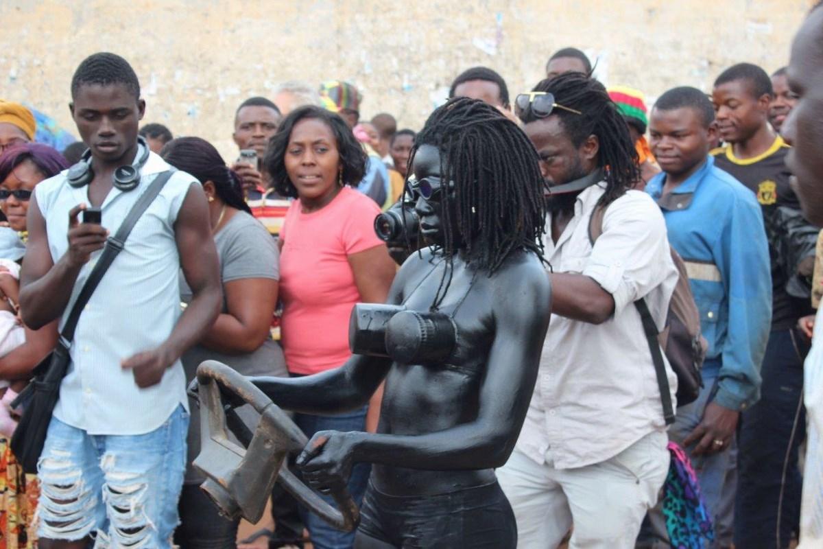 """Wystawa """"Shifting Africa"""": Julie Dijkey, """"Ozonisation"""", photograph (źródło: materiały prasowe organizatora)"""