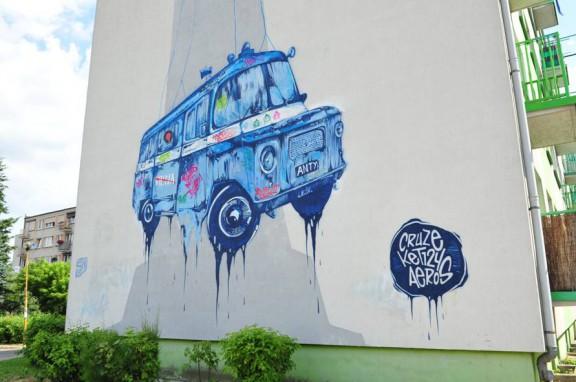 Mural Grupy Nie Tak, osiedle Konstytucji 3 Maja w Jarocinie (źródło: materiały prasowe organizatora)