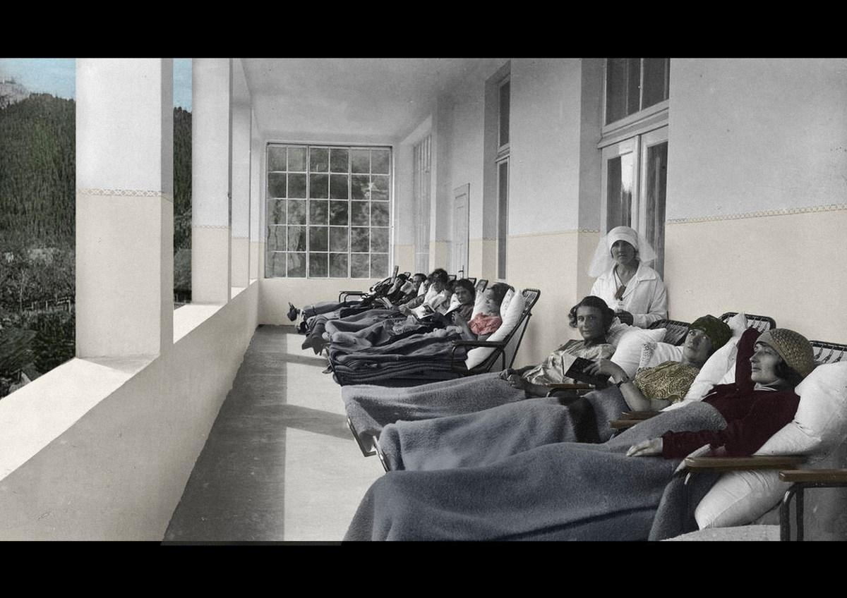 """Wydział Scenografii. Joanna Dotota Próba, """"Zakopane. Sanatorium Dłuskiego"""" (źródło: materiały prasowe organizatora)"""