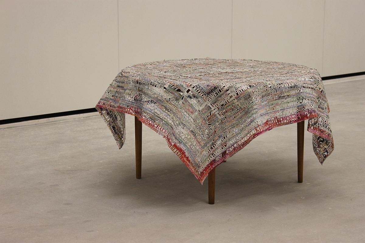 """Katarzyna Józefowicz, """"Obrus"""", 2012 (źródło: materiały prasowe organizatora)"""
