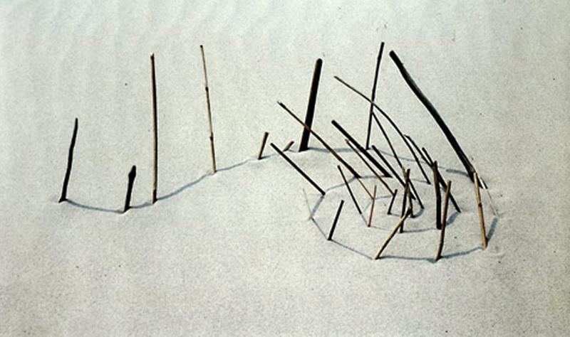 """Łukasz Skąpski, praca z cyklu """"Rysunki cieniem"""", 1994 (źródło: materiały prasowe organizatora)"""