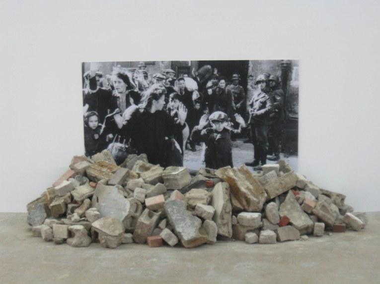 """Fotografie historyczne: """"Likwidacja getta warszawskiego"""", Gustav Metzger (źródło: materiały prasowe organizatora)"""