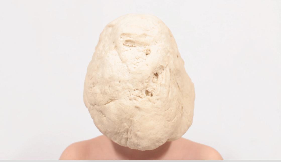 """Justyna Olszewska, """"Opancerzenie. Druga skóra"""" (źródło: materiały prasowe organizatora)"""