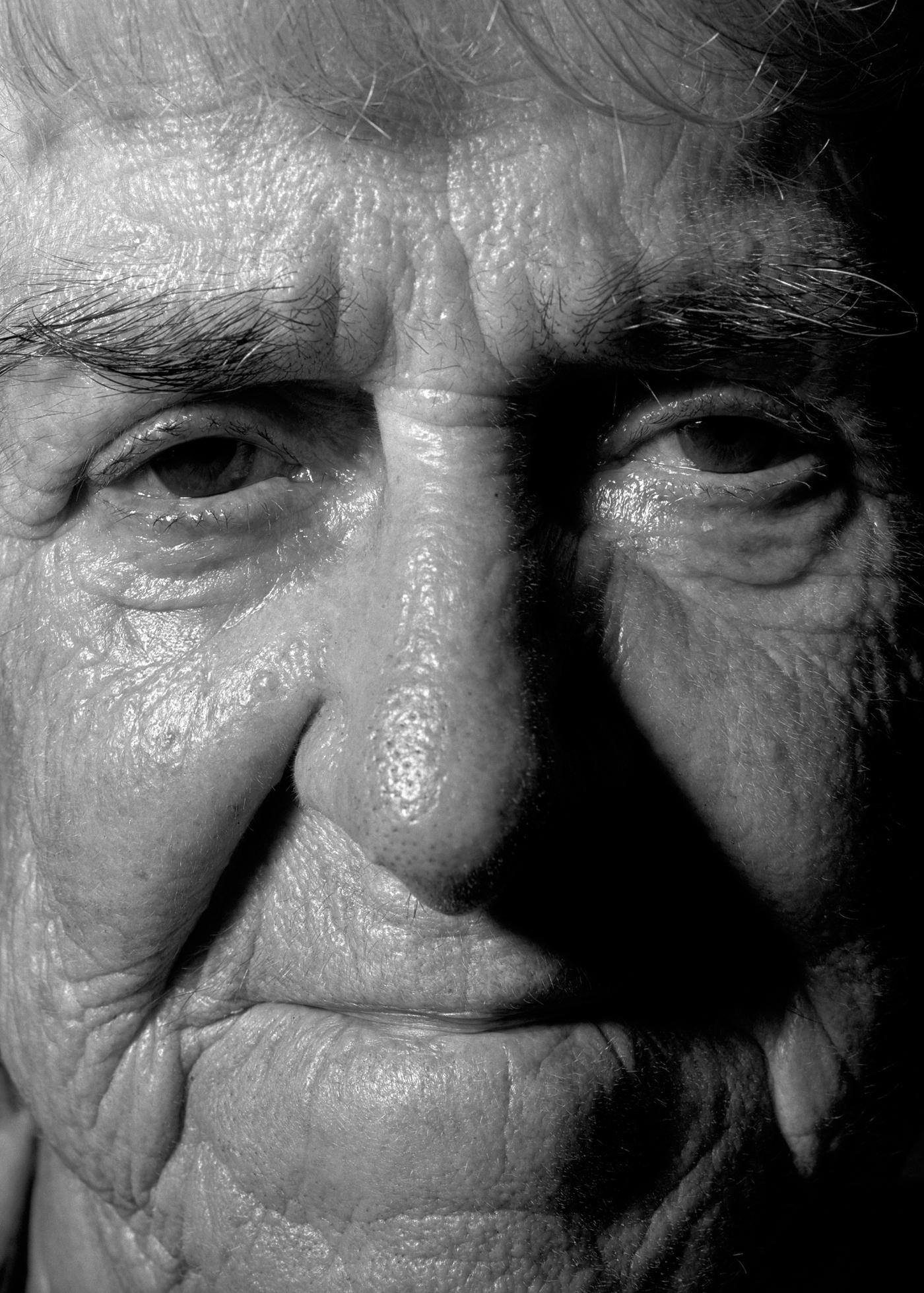 """Aldona, 80 lat, Izabela Łapińska """"Naga twarz"""" (źródło: materiały prasowe)"""