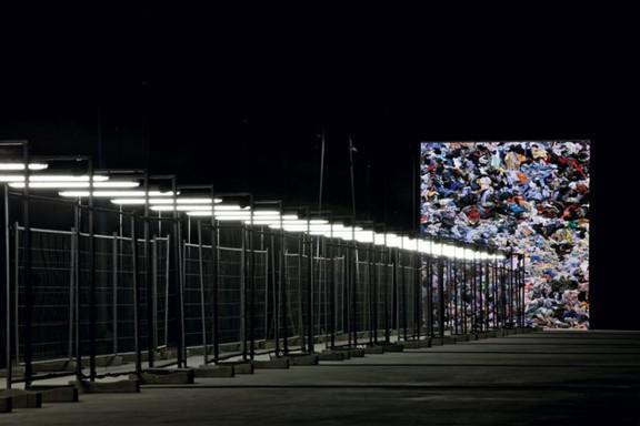 "Christian Boltanski, ""Personne"", Hangar Bicocca, Milan, 2011 (źródło: materiały prasowe)"
