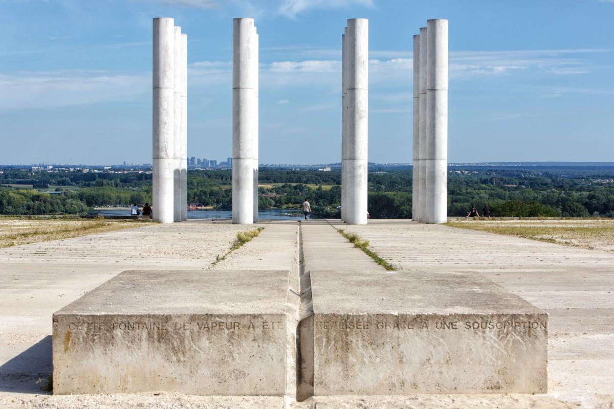 Axe Majeur – Paryska Esplanada i Dwanaście kolumn, 1980-2009, Cergy-Pontoise, Francja, Studio Karavan (źródło: materiały prasowe organizatora)