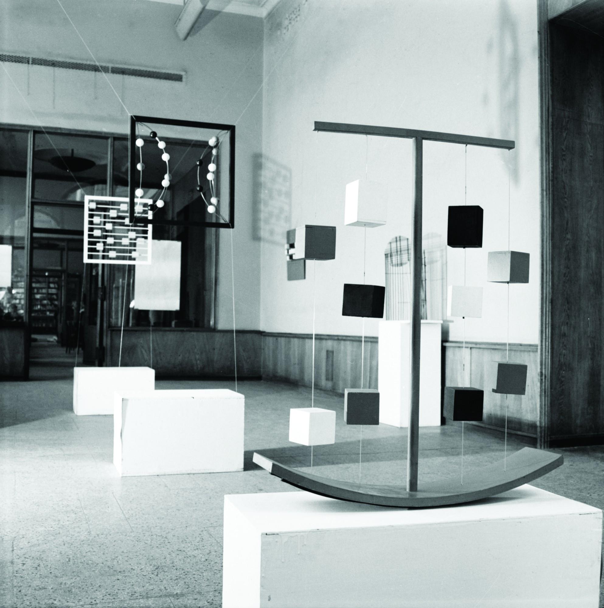 Wanda Gołkowska, widok wystawy, Galeria pod Moną Lisą, 1968, fot. Zdzisław Holuka ⓒ Muzeum Współczesne Wrocław (źródło: materiały prasowe organizatora)