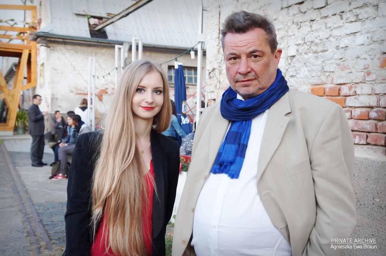 Ostrale 2015, Agnieszka Ewa Braun z dyrektorem Gdańskiej Galerii Miejskiej – Mirosławem Jasińskim (źródło: materiały prasowe organizatora)