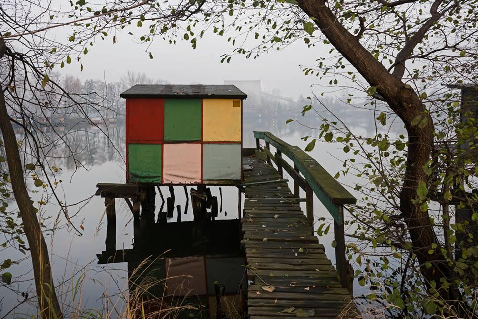 """Weronika Kasprzyk, """"Budka Mondrian"""", z cyklu """"Kopalniok River"""", fot. Barbara Kubska (źródło: materiały prasowe organizatora)"""