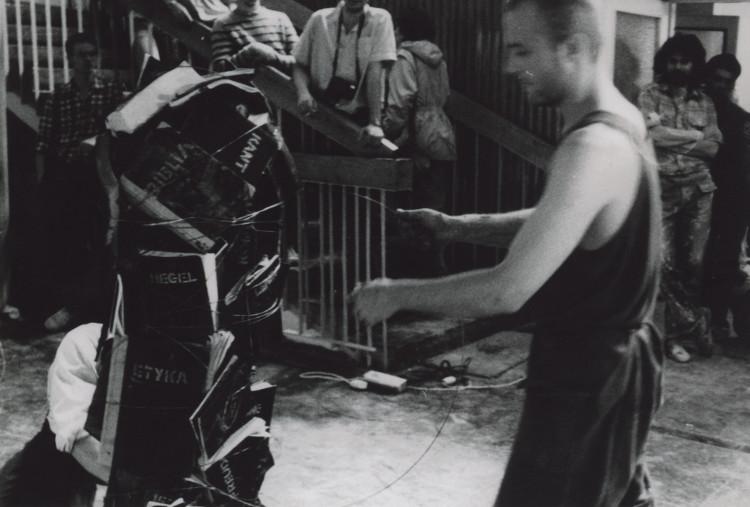 Człowiek, akcja, Grzegorz Klaman, Kazimierz Kowalczyk, hol PWSSP (źródło: materiały prasowe organizatora)